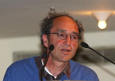 W sierpniu, na prośbę tureckiego rządu hiszpańska policja aresztowała mieszkającego w Niemczech znanego tureckiego pisarza Dogana Akhanli (na zdjęciu), który przebywał w Hiszpanii na wakacjach. (Zdjęcie: © Raimond Spekking / CC BY-SA 4.0 via Wikimedia Commons)