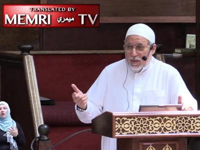 """Shaker Elsayed, imam z meczetu Dar Al-Hijrah w Falls Church w Virginii, został wyrzucony za popieranie okaleczania genitaliów kobiecych (FGM), mówiąc, że islam zachęca do FGM, by zapobiec """"przeseksualizowaniu"""" kobiet. (Zrzut z ekranu z filmu wideo MEMRI)"""
