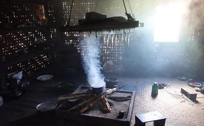 Zanieczyszczenie powietrza w domu przez piecyki do gotowania. FOAP.COM
