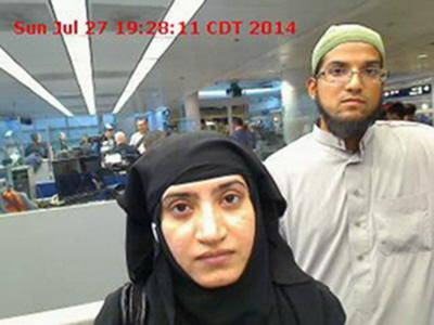 """Po masakrze w San Bernardino przeprowadzonej przez dżihadystów, Syeda Farooka (po prawej) i Tashfeen Malik (po lewej), odwieczna debata """"dlaczego ona tak nas nienawidzą"""", jest prowadzona z większą intensywnością niż kiedykolwiek od 9/11."""