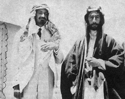 Chaim Weizmann (po lewej) z Fajsalem I (królem Iraku) w Syrii w 1918 roku.