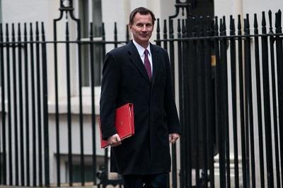 """Minister spraw zagranicznych Wielkiej Brytanii, Jeremy Hunt (na zdjęciu) zamówił """"Niezależny przegląd globalnych prześladowań chrześcijan"""", który niedawno opublikowano. (Zdjęcie: Jack Taylor/Getty Images)"""