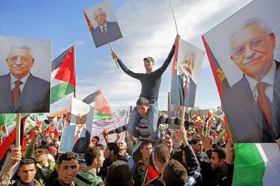 <span>Abbas w lepszych czasach [</span>Image Source<span>]</span>