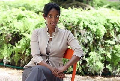 """Urodzona w Somalii muzułmańska dysydentka, Ayaan Hirsi Ali, napisała w swojej niedawno wydanej książce, że na Zachodzie ostatecznym celemdawa""""jest zniszczenie politycznych instytucji wolnego społeczeństwa i zastąpienie ich szariatem"""". (Zdjęcie: Ian Waldie/Getty Images)"""