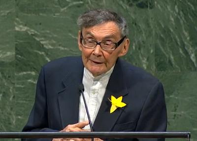 Marian Truski przemawiający w ONZ.