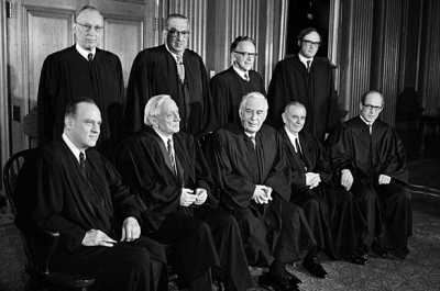 Sędziowie Sądu Najwyższego, którzy zadecydowali w sprawie Roe v. Wade, zdjęcie z 1972 r.