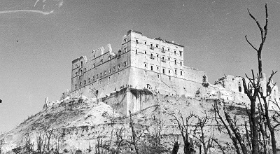 Klasztor na Monte Cassino bezpośrednio po wojnie.