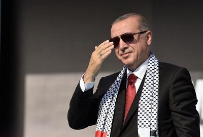 Turecki prezydent Recep Tayyip Erdogan na antyizraelskim wiecu w Stambule, 18 maja 2018 r. (Zdjęcie Getty Images)