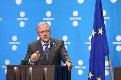 Dimitris Avramopoulos, komisarz Komisji Europejskiej do spraw migracji, spraw wewnętrznych i obywatelstwa. (Zdjęcie: EU2017EE Estonian Presidency)