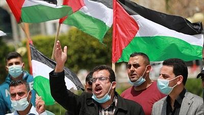 <span>Stronnicy Hamasu protestowali w zeszłym miesiącu w południowej Strefie Gazy przeciwko decyzji prezydenta Autonomii Palestyńskiej o odwołaniu zaplanowanych wyborów parlamentarnych.</span>