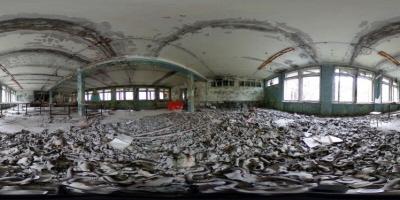 """""""W 1986 roku wCzarnobylu, wbyłym ZSRR, doszło doprzerażającej katastrofy reaktora nuklearnego. Wtamtejszym środowisku, anawet wsąsiednich krajach ciągle utrzymuje się radioaktywność. Liczba śmiertelnych ofiar jest nadal przedmiotem dyskusji. Większość ofiar cierpiała lub będzie cierpiała nanowotwory spowodowane napromieniowaniem. Energia atomowa jest tańszym iwydajnym źródłem elektryczności niż zelektrowni napaliwa kopalne. Niektórzy twierdzą, żeelektrownie atomowe są mniej szkodliwe dla środowiska, alekatastrofa wCzarnobylu pokazuje, żejest inaczej."""""""