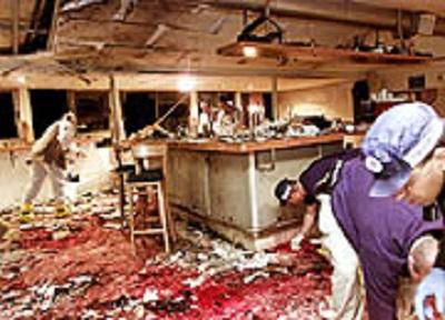 Zamach samobójczy w Cafe Moment w Jerozolimie,9 marca, 2002. 11 osób zabitych, 52 ranne , w tym 10 poważnie. Reuters/Gil Cohen Magen