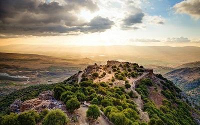 Ruiny średniowiecznej twierdzy Nimrod na Wzgórzach Golan.(iStock)