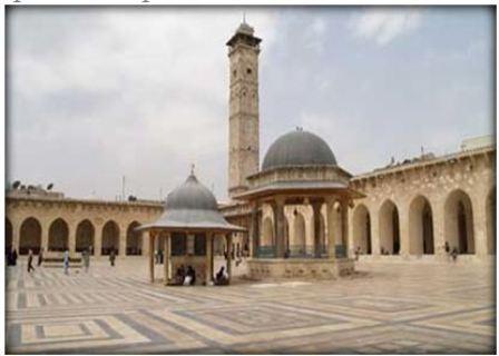 Meczet Umajjadów w Aleppo przed walkami (zdjęcie: al-sharq.com, 15 października 2011)