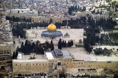 Widok z lotu ptaka na Wzgórze Świątynne w Jerozolimie w Izraelu. (Zdjęcie: Andrew Shiva/Wikipedia/CC BY-SA 4.0)