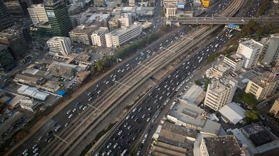 Widok na Ayalon, drogę szybkiego ruchu w Tel Awiwie. Listopad 2019. Zdjęcie: Miriam Alster/FLASH90