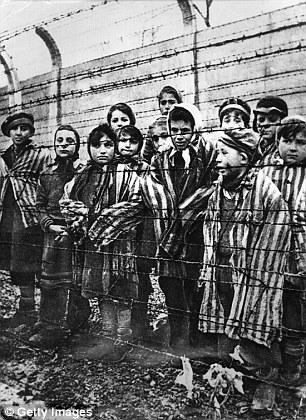 Fakt, że Europa w XX wieku przeprowadziła Holocaust w oparciu o rasę, jest sprawą najgłębszej hańby