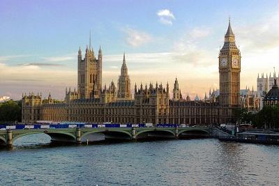 Pałac Westminsterski w Londynie, miejsce spotkań parlamentu w Zjednoczonym Królestwie. (Zdjęcie: Mike Gimelfarb/Wikimedia Commons)