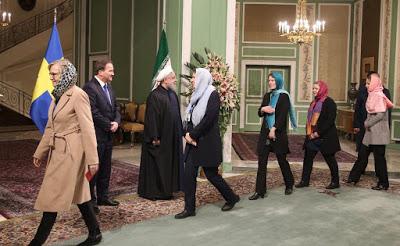 """Zdjęcie z wizyty Szwedek w Teheranie, które już rozprzestrzeniło się w sieci: marsz hańby członkiń szwedzkiego """"feministycznego"""" rządu"""