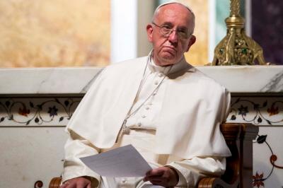 Papież Franciszek prowadzi modły południowe w Katedrze St. Matthew w Waszyngtonie. Zdjęcie: EPA