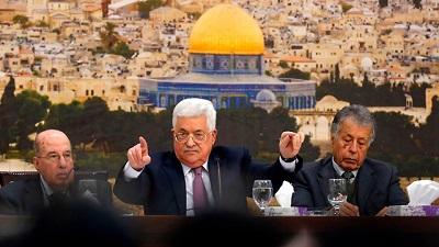 Reakcje były przewidywalne: Rozumiemy go. Jest pod wielkimi naciskami. Nie ma politycznej perspektywy. Palestyńczycy są zdesperowani. On tak naprawdę tak nie myśli. n<br />Abbas. Ofiara zdumiewającego sukcesu palestyńskiej propagandy (Zdjęcie: AFP)