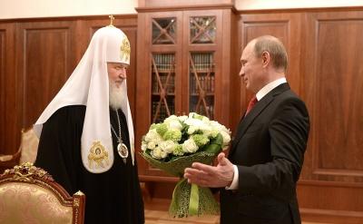 Prezydent W�adimir Putin z patriarch� Cyrylem I, 24 maja 2015.