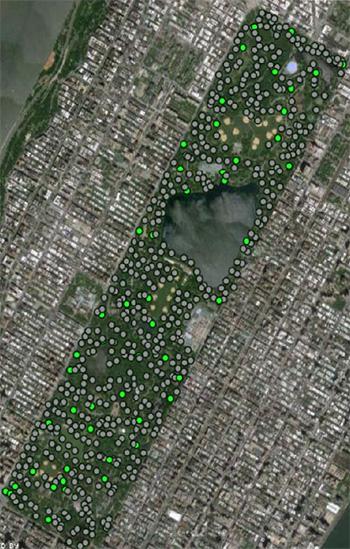 Każda kropka przedstawia miejsce, gdzie naukowcy nabrali ziemi, żeby szukać DNA. Z Ramirez et al 2014.