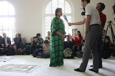 """Seyran Ates z Berlina, imam, która głosi autentycznie """"umiarkowany islam"""", potrzebuje nieustannej ochrony policyjnej, by bronić jej przed fundamentalistycznymi islamistami. (Zdjęcie: Sean Gallup/Getty Images)"""