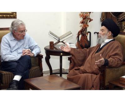 Noam Chomsky, wybitny intelektualista amerykański, bardzo krytyczny do polityki Izraela wobec Palestyńczyków, spotyka się z mentorem Hezbollahu, Wielkim Ajatollahem Mohammedem Husseinem Fadlallaha w Bejrucie w 2010 r. (zdjęcie: REUTERS)