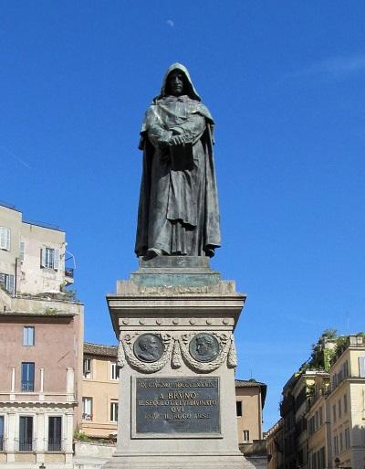 Pomnik Giordano Bruno na Campo de Fiori w Rzymie, w miejscu gdzie 17 lutego 1600 roku został spalony na stosie.