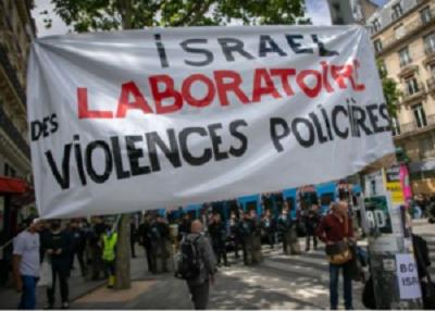 Antysemicki transparent na antyrasistowskim wiecu protestacyjnym w Paryżu 2020 roku, zdjęcie via World Jewish Congress.FacebookTwitterPrintEmailMore581