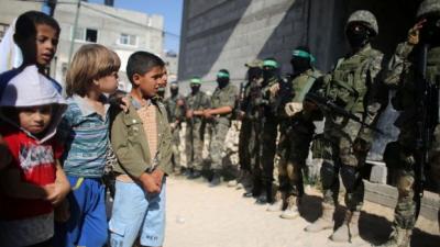 Strefa Gazy: trzymać się za ręce i śpiewać Kumbaya?