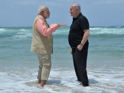 Premier Indii Narendra Modi z premierem Izraela Benjaminem Netanjahu (zdjęcie: watanserb.com)
