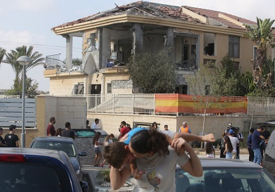 Uszkodzony dom w Beer Szewie, w który uderzyła rakieta w środę 17 października 2018 r. (zdjęcie: MARC ISRAEL SELLEM)