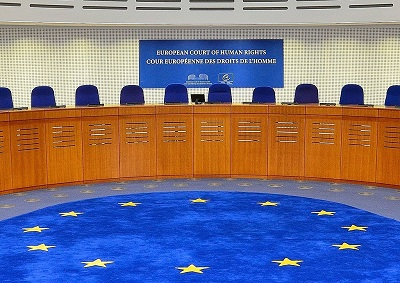 Głównym problemem z decyzją Europejskiego Trybunału Praw Człowieka przeciwko Elisabeth Sabaditsch-Wolff jest to, że, przynajmniej w wypadkach bluźnierstwa, prawda cię nie obroni. Sąd Trybunału w Strasbourgu. (Zdjecie: Adrian Grycuk/Wikimedia Commons)