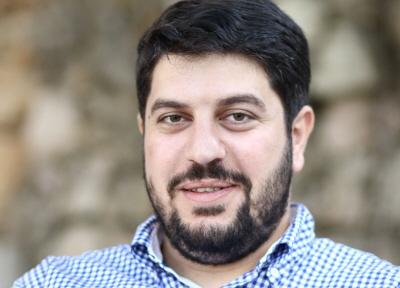 """Kiedy pisarz palestyński Abbad Yahiya opublikował niedawno swoją czwartą książkę, Zbrodnia w Ramallah, policja Autonomii Palestyńskiej zarekwirowała wszystkie egzemplarze, twierdząc, że """"zagraża moralności"""". Wydawca książki został aresztowany i wydano nakaz aresztowania Jahiji. (Zdjęcie: Wikimedia Commons)"""