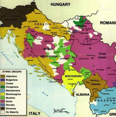 """""""Jugosławia"""": kolory reprezentują dystrybucjęe geograficzną rozmaitych grup etnicznych przed wojną domową; czarne linie są granicami między państwami narodowymi, jakie wyłoniły się w wyniku tej wojny."""