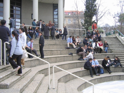W Robert College w Stambule, uczelni prywatnej, 151 z 196 studentów ostatniego roku złożyło podania o studia za granicą. (Zdjęcie: Wikipedia)