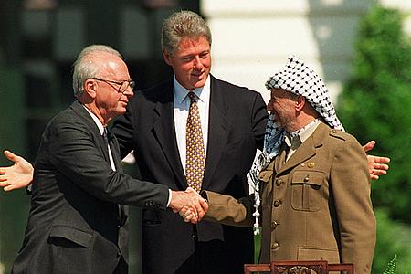 Za co Afrafat dostał pokojową nagrodę Nobla? Za odmowę wyrażenia zgody na zawarcie pokoju.