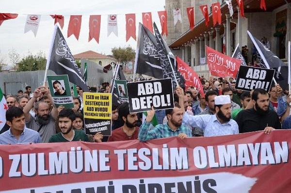 Demonstracja popierająca ISIS w Stambule, 17 października 2014r.: Hasła \