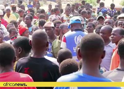 Dżihadyści Al-Szabaab w Cabo Delgado, północnej prowincji Mozambiku, obcinają głowy dzieciom zaledwie 11-letnim. Ta grupa terrorystyczna zabiła ponad 1300 cywilów i wygnała z domów niemal 670 tysięcy ludzi od czasu, kiedy zaczęła ataki w kraju w październiku 2017 roku, informuje Departament Stanu USA. Na zdjęciu: obóz dla uciekinierów (zrzut z ekranu wideo)