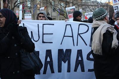 <span>Wynik dziennikarstwa do własnej bramki: identyfikowanie się z wrogiem, Londyn 2009</span>
