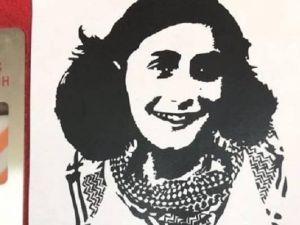 Anna Frank została zamordowana ponieważ urodziła się Żydówką, dzisiejsi antysyjoniści mają własny pomysł na wykorzystanie jej zdjęcia.