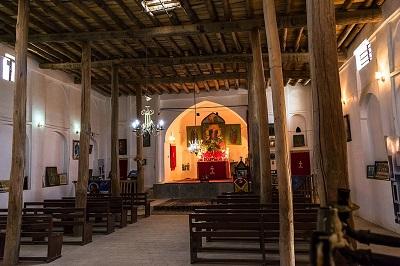 Jednym z celów prześladowania chrześcijan przez islamskie siły Iranu wydaje się być grożenie i zastraszanie całej społeczności chrześcijańskiej, której przodkowie żyli w tym kraju przez prawie dwa tysiące lat, by uciekli ze strachu przed uwięzieniem, torturami i śmiercią. Na zdjęciu kościół Matki Bożej w Khuygan-e Olya w prowincji Isfahan w Iranie. (Zdjęcie: Arteen Arakel Lalabekyan/Wikimedia Commons)