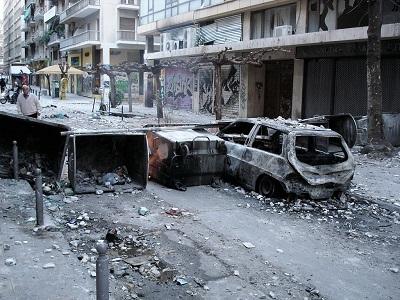 Według Stavrosa Balaskasa, wiceprezesa Greckiej Federacji Oficerów Policji, gangi anarchistów w dzielnicy Aten Exarchia mają \