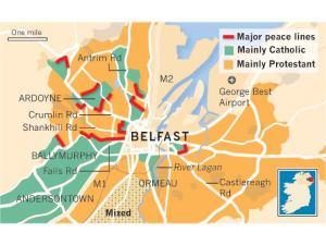 Mapa społeczności Belfastu i linie/mury pokoju, które je rozdzielają
