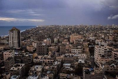 15 maja Hamas buldożerami zburzył częściowo zbudowany dom, który należy do rodziny Sza'ath w mieście Chan Junis. Hamas twierdził, że dom był budowany bez właściwego pozwolenia. Według naocznych świadków, podczas burzenia dziesiątki członków Hamasu uzbrojonych w pałki i paralizatory bili kobiety i dzieci, i obrzucali obelgami innych członków rodziny Sza'ath. Na zdjęciu: Chan Junis. (Zdjęcie: Dans/Wikimedia Commons)