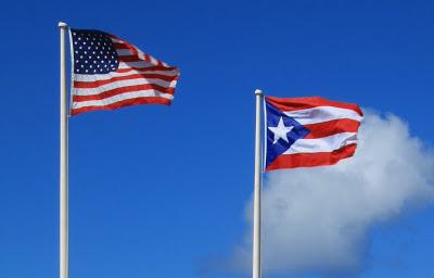 Bardzo samotna gwiazda... Portoryko nazywa siebie Estado Libre (Wolne państwo). Nie jest jednak ani niepodległym państwem, ani stanem USA.