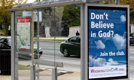 Afisz na przystanku autobusowym w Waszyngtonie, miejsce wykupione przez Coalition of Reason. Zdjęcie: CoR