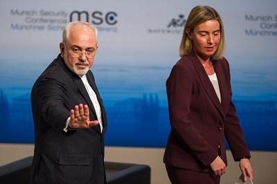 Muhammad Dżavad Zarif, minister spraw zagranicznych Iranu, próbował upichcić nowy tekst skoncentrowany na złudzeniu, że Unia Europejska powstrzyma Trumpa i pozwoli Republice Islamskiej na kontynuowanie swoich krętactw bez żadnych kosztów własnych. W każdym przemówieniu używał słowa \